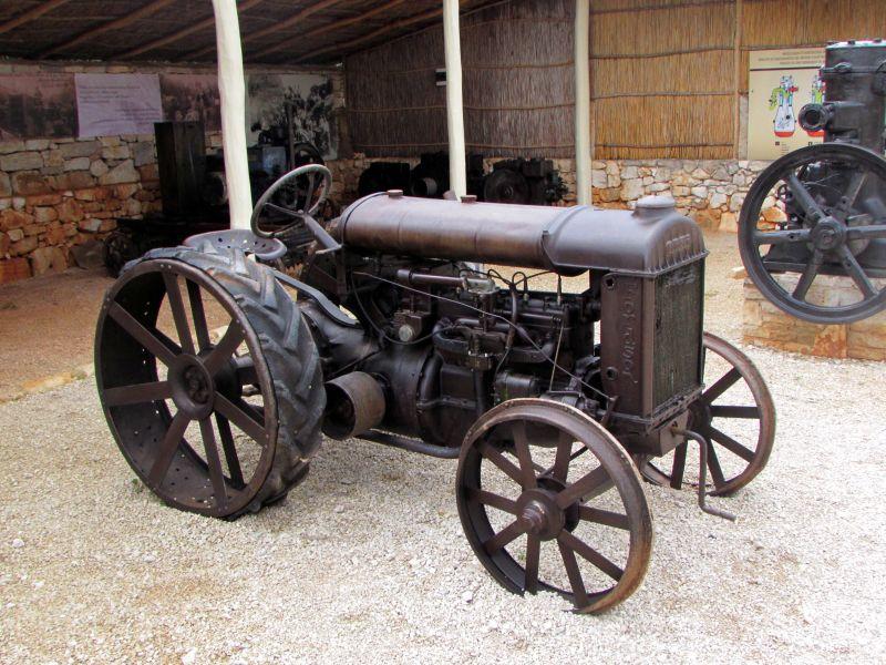 Traktor story – muzej traktora kod porečke Nove Vasi TractorStory042