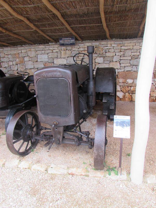 Traktor story – muzej traktora kod porečke Nove Vasi TractorStory044