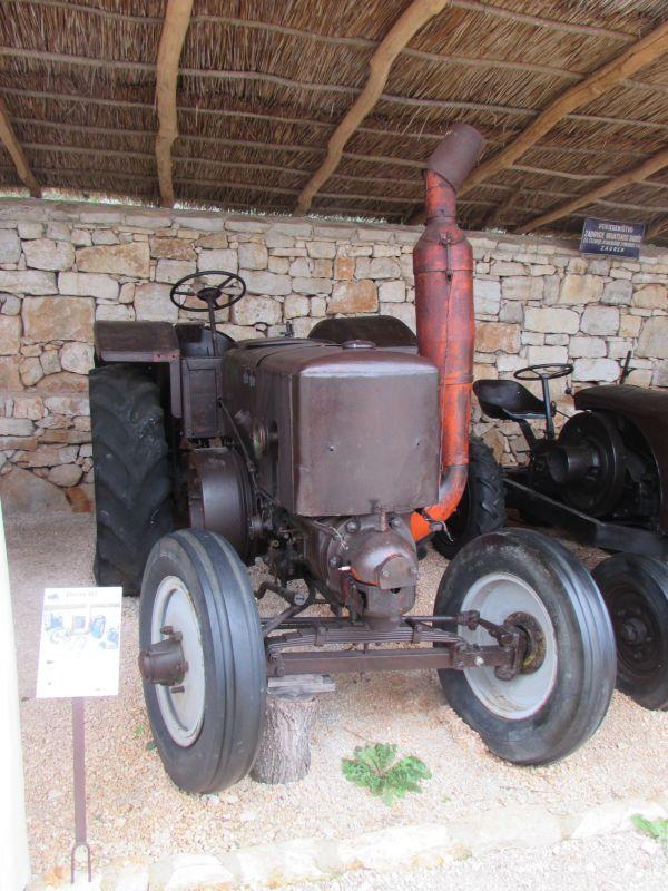 Traktor story – muzej traktora kod porečke Nove Vasi TractorStory047
