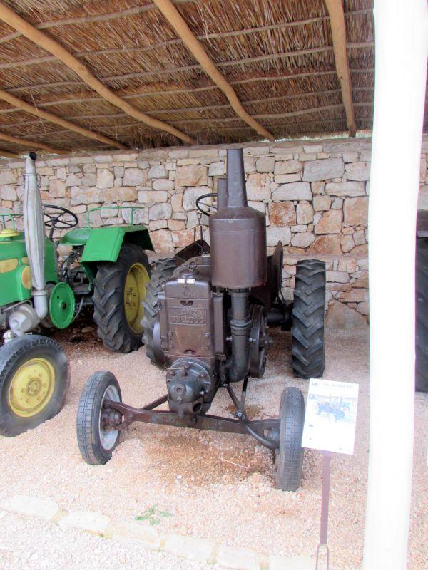 Traktor story – muzej traktora kod porečke Nove Vasi TractorStory048