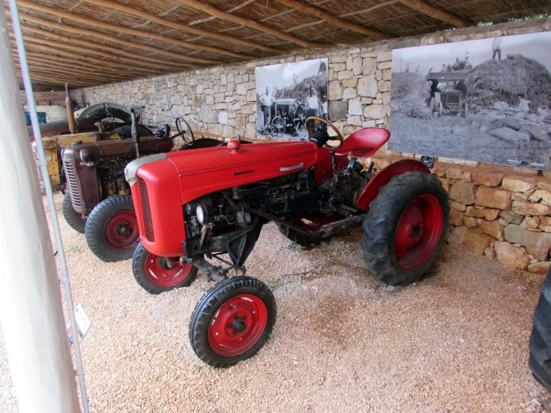 Traktor story – muzej traktora kod porečke Nove Vasi TractorStory054