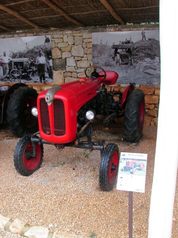 Traktor story – muzej traktora kod porečke Nove Vasi TractorStory055