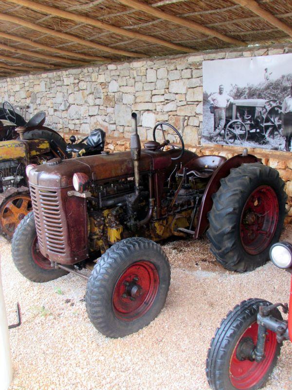 Traktor story – muzej traktora kod porečke Nove Vasi TractorStory056