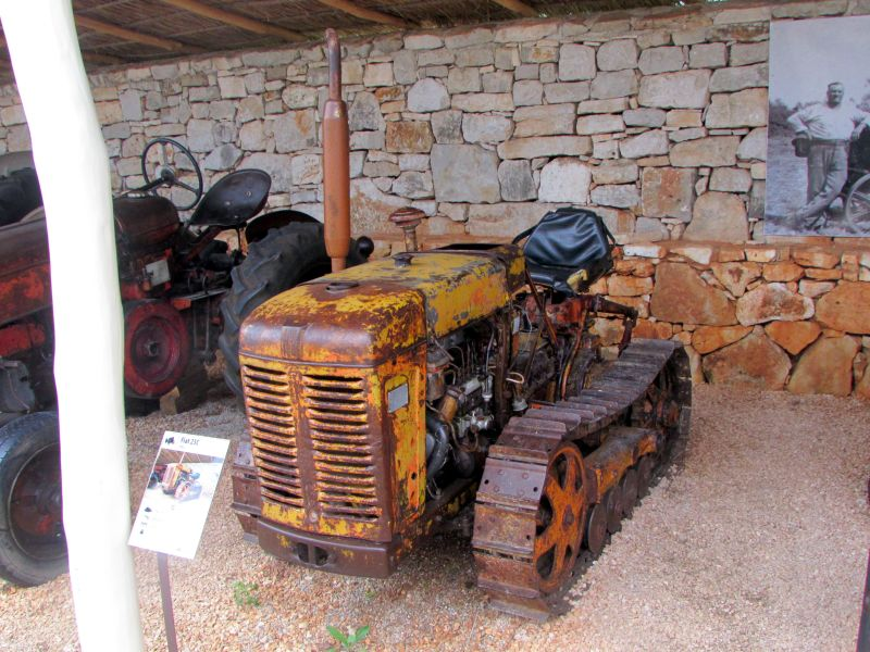 Traktor story – muzej traktora kod porečke Nove Vasi TractorStory058