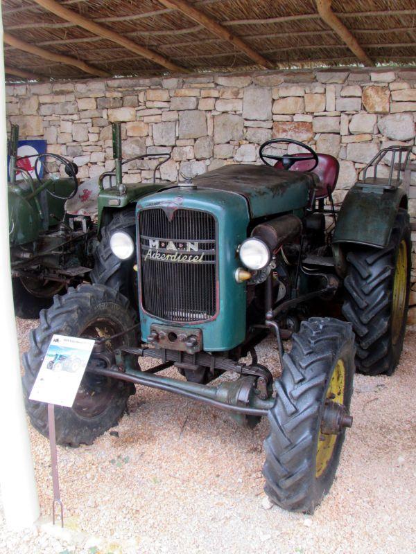 Traktor story – muzej traktora kod porečke Nove Vasi TractorStory064