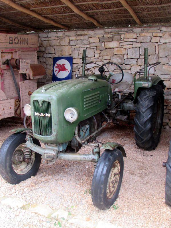 Traktor story – muzej traktora kod porečke Nove Vasi TractorStory065
