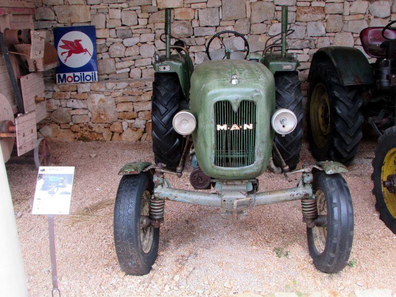 Traktor story – muzej traktora kod porečke Nove Vasi TractorStory066