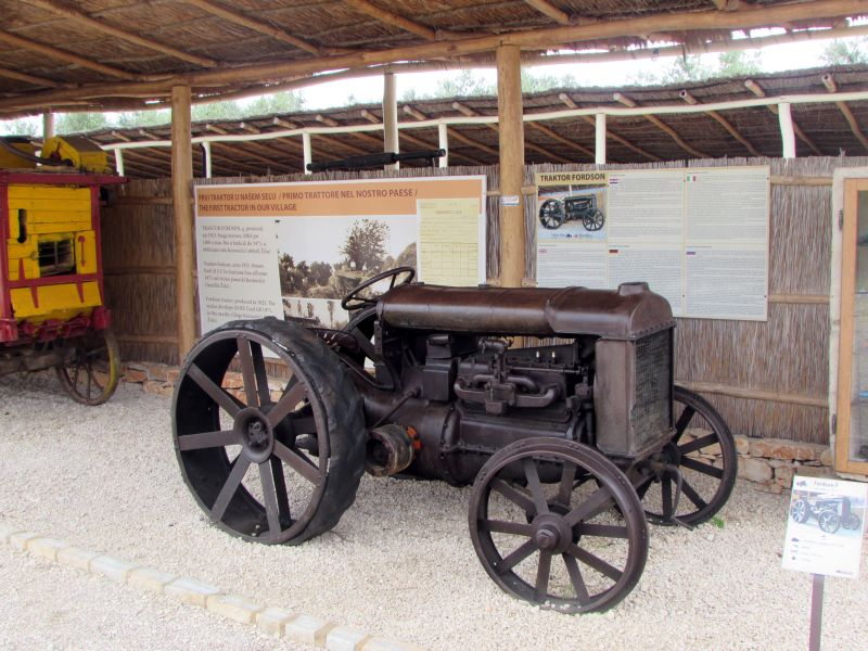 Traktor story – muzej traktora kod porečke Nove Vasi TractorStory071