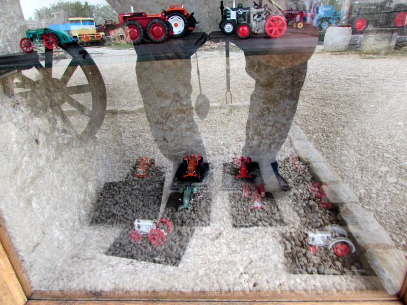 Traktor story – muzej traktora kod porečke Nove Vasi TractorStory079
