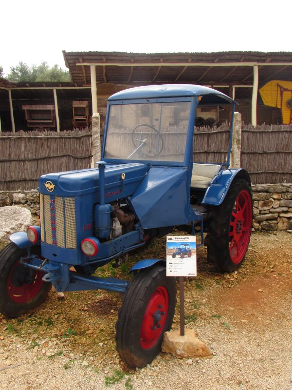 Traktor story – muzej traktora kod porečke Nove Vasi TractorStory089