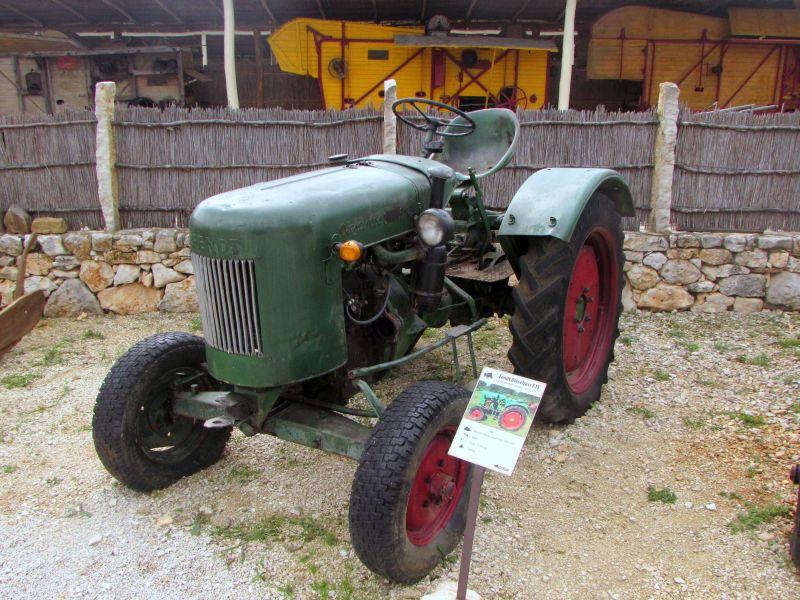 Traktor story – muzej traktora kod porečke Nove Vasi TractorStory091
