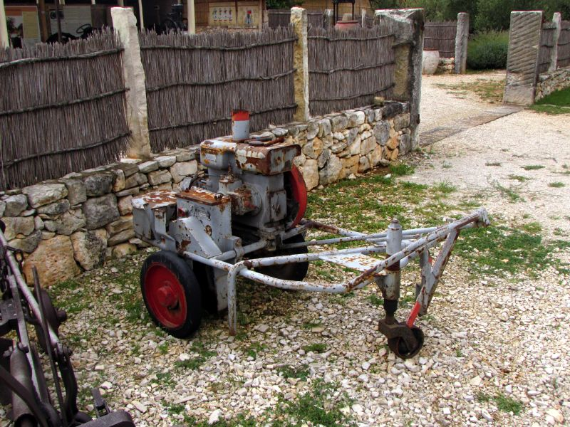 Traktor story – muzej traktora kod porečke Nove Vasi TractorStory095