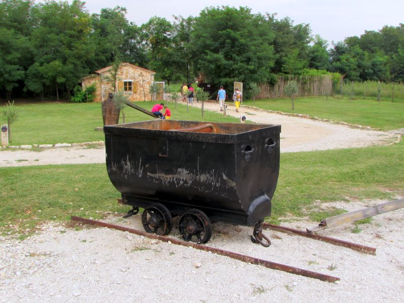 Traktor story – muzej traktora kod porečke Nove Vasi TractorStory097