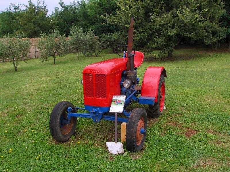 Traktor story – muzej traktora kod porečke Nove Vasi TractorStory102
