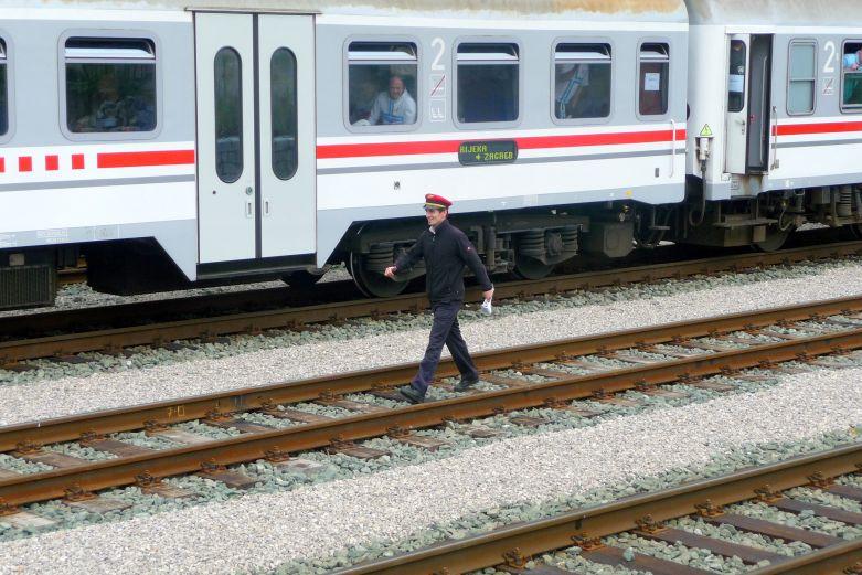 Navijački vlakovi StanicaLokve1545