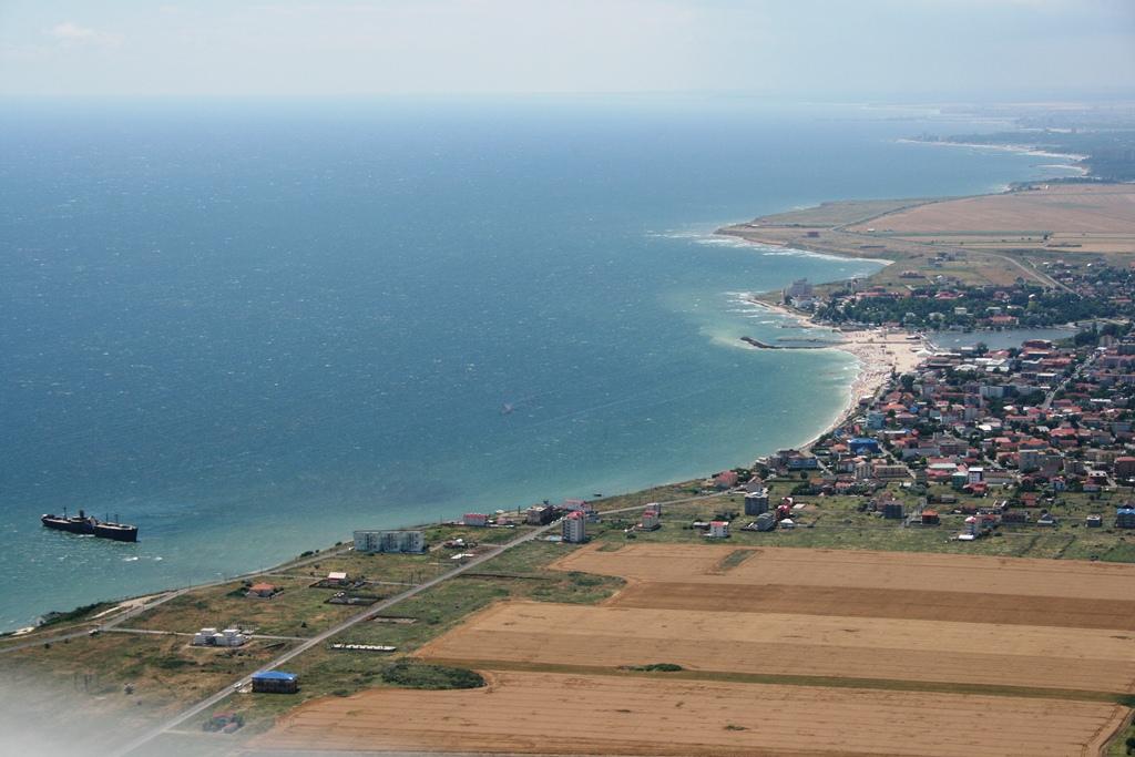 Plajă la 1500 ft Plaja%207