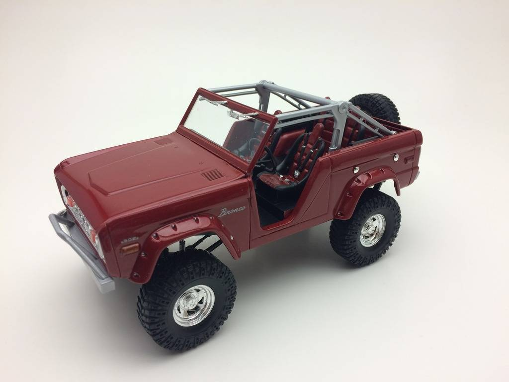 ford bronco revell IMG_1413_zps3a3ydttr