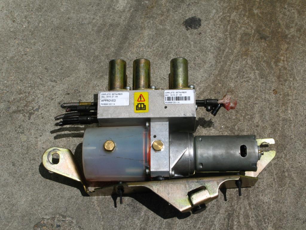 [ SE VENDE ] Piezas Peugeot 306 Cabrio capota eléctrica IMG_5012