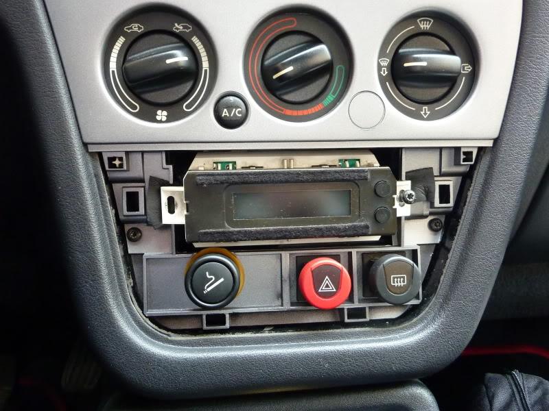 [ CALEFACCIÓN ] Desmontar los mandos de la calefacción  P1070332