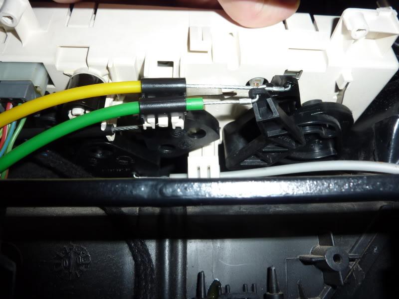 [ CALEFACCIÓN ] Desmontar los mandos de la calefacción  P1070337