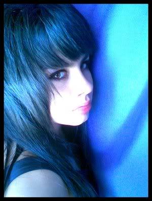 E se fosse verdade... The_girl_in_blue__by_HarlequinFeeli