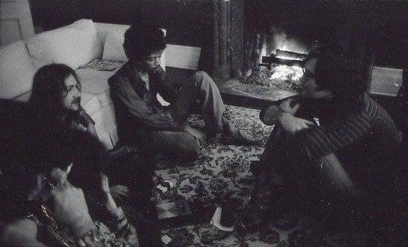 Interview avec John Burks pour Rolling Stone Magazine : 4 février 1970 6cc3c7fc3ea1039e0d29bdd780d92b82