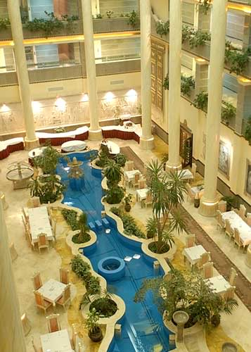 Iran - Page 2 Dariush-grand-hotel-2