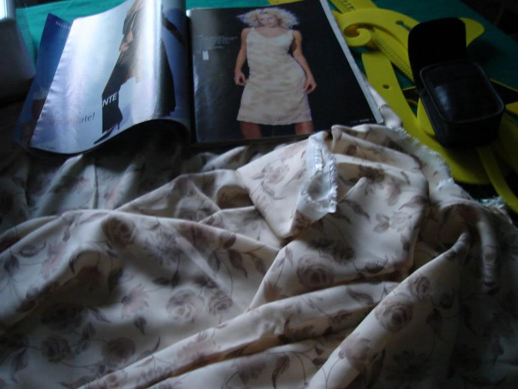 Provocarea 5 la croitorie: ROCHIE DE VARA - Pagina 8 DSC04184