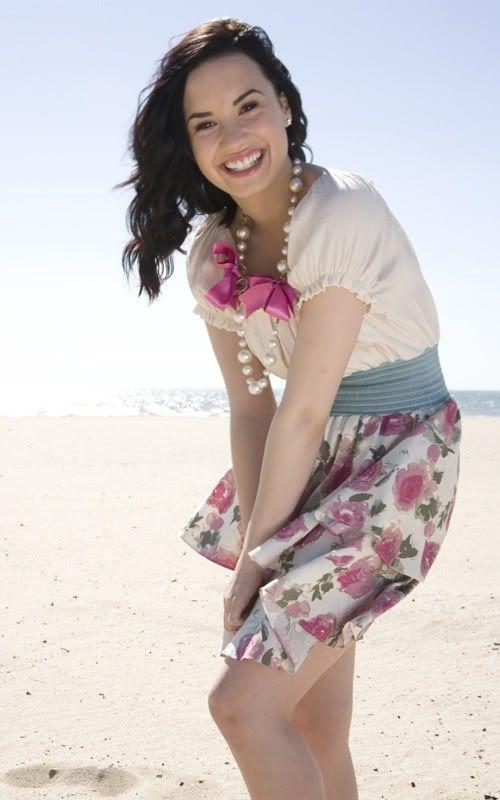 Demi Lovato: fotos Girls Life 1-105