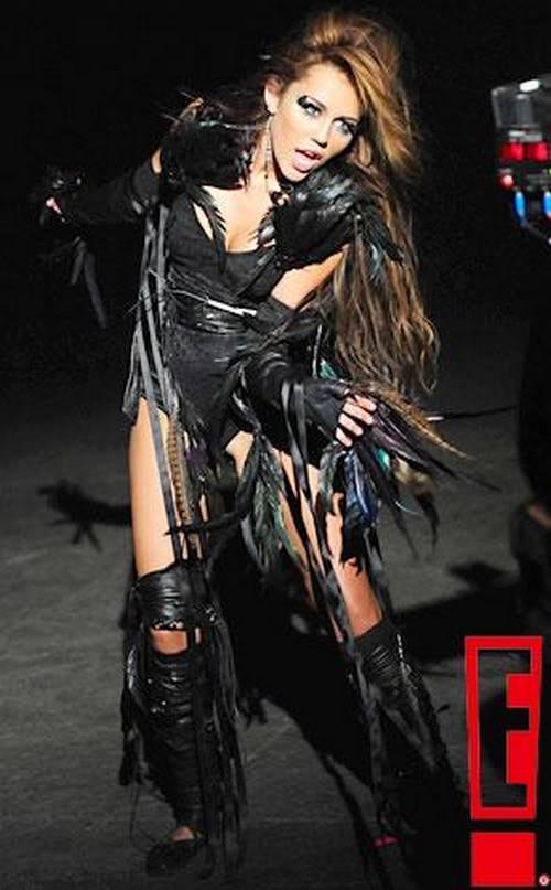 Miley Cyrus estrena su nuevo DISCO ''Can't be Tamed'' (todo aqui) 2-67