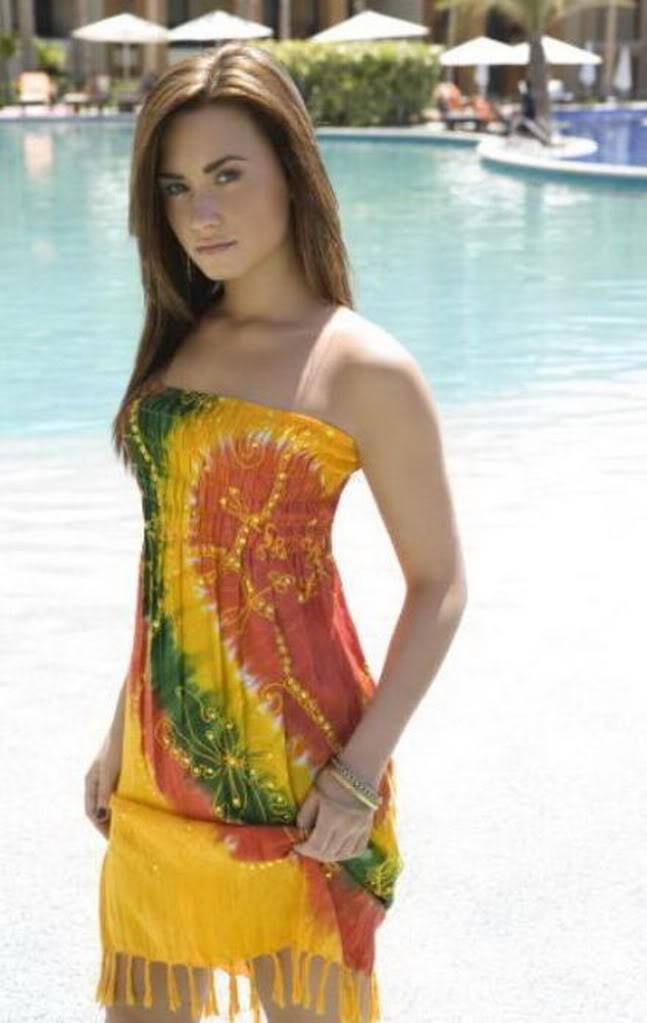 Demi Lovato: nuevo look (todo aqui) 3-119