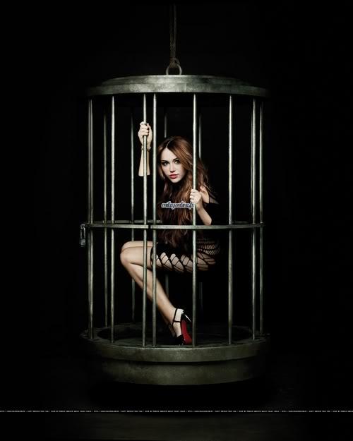 Miley Cyrus estrena su nuevo DISCO ''Can't be Tamed'' (todo aqui) 3-74