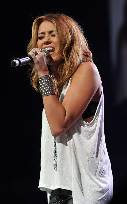 Miley Cyrus: Rock Nashville  4-103