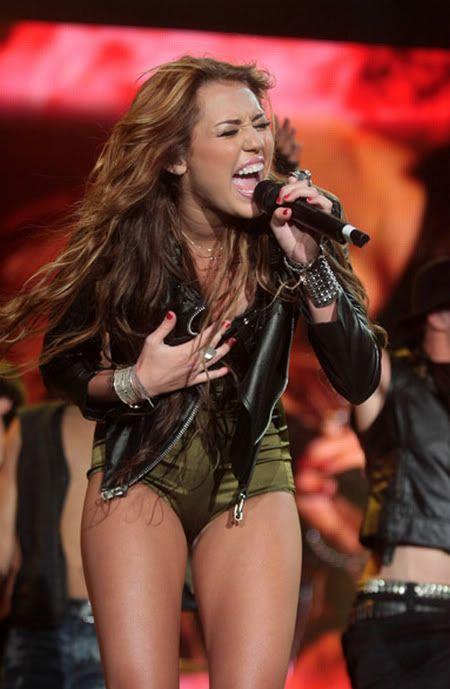 Miley Cyrus en Rock in Rio 2010 5-72