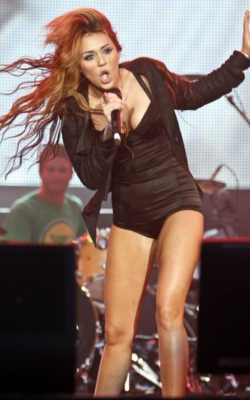 Miley Cyrus en Rock in Rio 2010 6-73