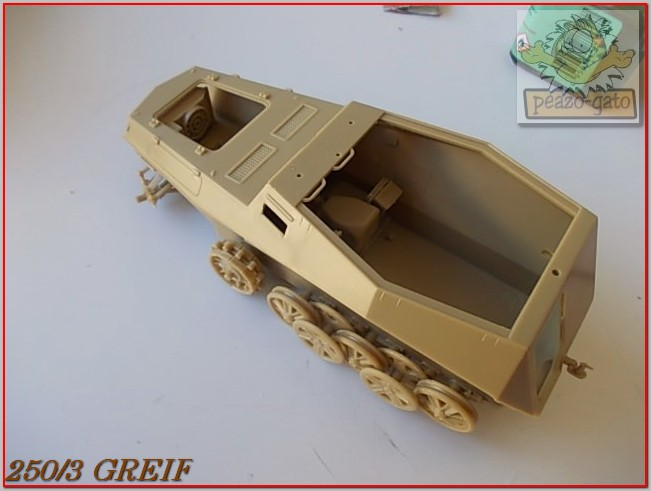 "Sd Kfz 250/3 ""GREIF"" , Tobruk 1942 (terminado 24-06-14) 15ordm250-3GREIFpeazogato_zpseff87425"
