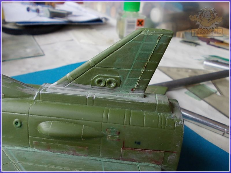 SKY-1 (ufo s.h.a.d.o.), terminado 15-11-12 54SKY-1ufopeazo-gato