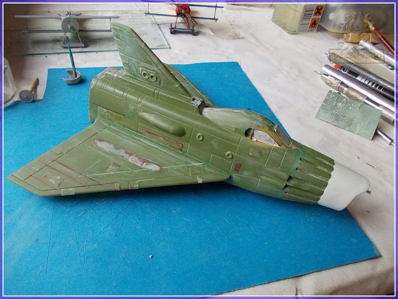 SKY-1 (ufo s.h.a.d.o.), terminado 15-11-12 57SKY-1ufopeazo-gato