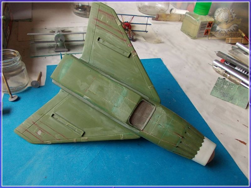 SKY-1 (ufo s.h.a.d.o.), terminado 15-11-12 58SKY-1ufopeazo-gato