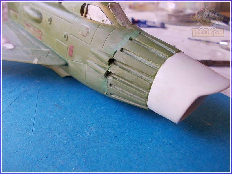 SKY-1 (ufo s.h.a.d.o.), terminado 15-11-12 60SKY-1ufopeazo-gato