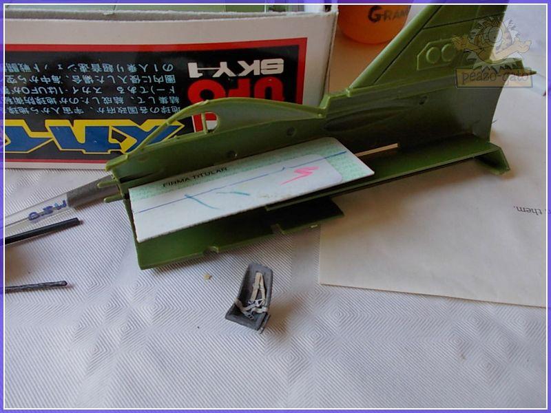 SKY-1 (ufo s.h.a.d.o.), terminado 15-11-12 12SKY-1ufopeazo-gato
