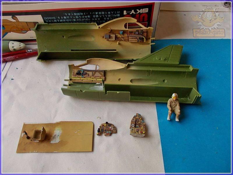 SKY-1 (ufo s.h.a.d.o.), terminado 15-11-12 18SKY-1ufopeazo-gato