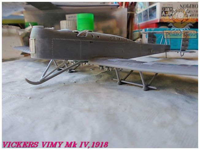 Vickers Vimy Mk IV , 1918 (terminado 27-03-13) 42ordmVickersVimypeazo-gato_zps0b9850fc