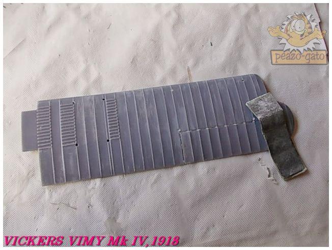 Vickers Vimy Mk IV , 1918 (terminado 27-03-13) 7ordmVickersVimypeazo-gato_zps8e58cf14