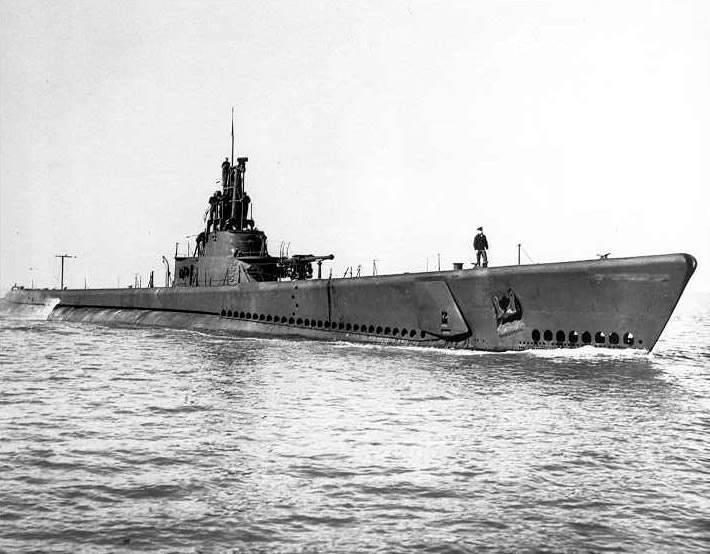 USS Gato (SS-212 , 1941) terminado 19-03-13 A0384b4_zpsca37cb8c