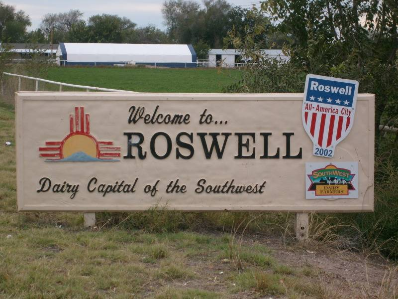 Roswell , Julio 1947  (terminado 21-03-13) Day-59-roswell-welcome_zpsa32d926f