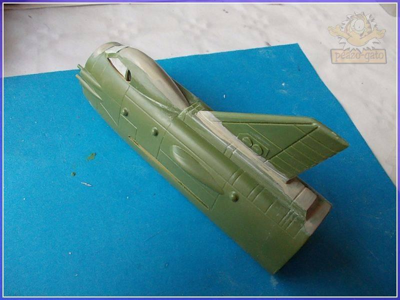 SKY-1 (ufo s.h.a.d.o.), terminado 15-11-12 24SKY-1ufopeazo-gato