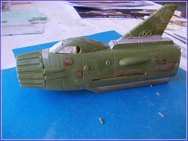 SKY-1 (ufo s.h.a.d.o.), terminado 15-11-12 46SKY-1ufopeazo-gato