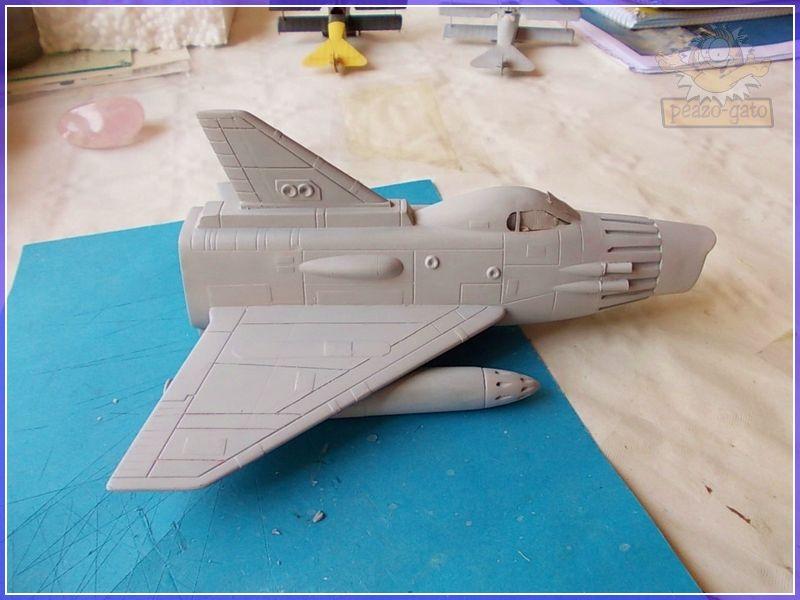 SKY-1 (ufo s.h.a.d.o.), terminado 15-11-12 65SKY-1ufopeazo-gato