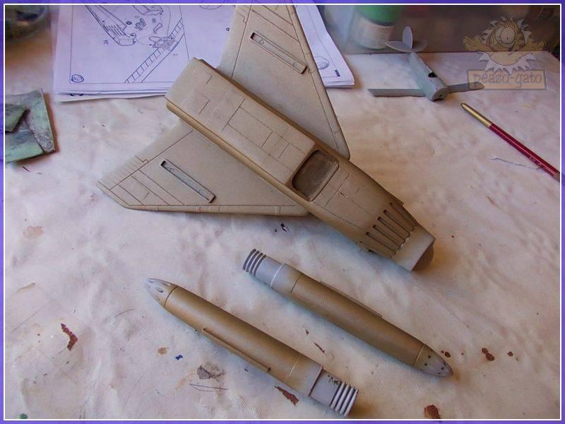 SKY-1 (ufo s.h.a.d.o.), terminado 15-11-12 68SKY-1ufopeazo-gato
